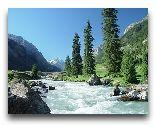 Киргизия: горная речка