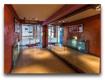 отель Bulvar Inn: Вход в холл