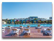 отель AF Hotel Aqua Park: Бассейн на пляже