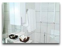отель Afra: Ванная