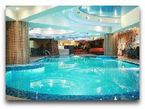 отель Grand Aiser: Бассейн