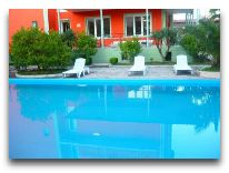 отель Albatros: Бассейн