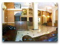 отель Александровский: Холл отеля