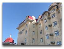 отель Alexander Нotel: Фасад отеля