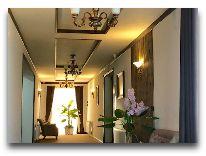 отель Alexander Нotel: Холл отеля