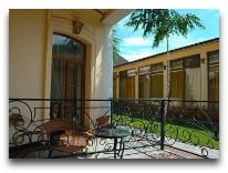 отель Almaty-Sapar Guest House: Номер с балконом