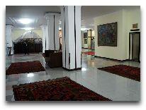 отель Almaty: Холл
