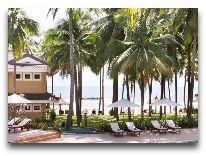 отель Amaryliis Resort: Бассейн с видом на пляж