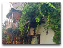 отель Ambasadori: Рядом с отелем