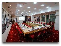 отель Ambasadori: Main Conference Hall