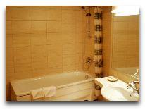 отель Ambassador: Ванная комната