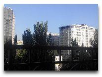 отель Амбассадор: вид из окна