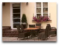 отель Amberton Cozy: Внутренний дворик