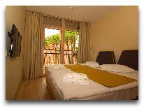 отель Amberton Green Apartments: Спальня в апартаментах с двумя спальнями