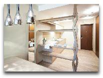 отель Amberton Green Apartments: Состиная семейного номера