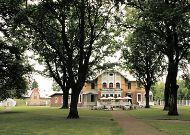 отель Ammende Villa: Вид со стороны парка