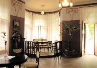 отель Ammende Villa: Красный салон