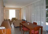 отель Andamati: Гостиная 2-комнатного номера