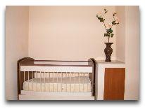 отель Andamati: Детская кроватка