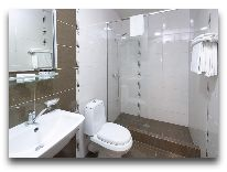 отель Ani Central Inn: ванная