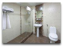 отель Ani Central Inn: ванная дабл