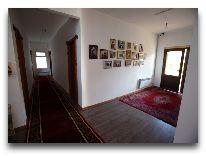отель Ашуу: Коридор дома