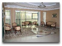 отель Asia Grand Hotel: Холл