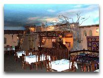 отель Asia Grand Hotel: Ресторан