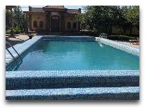 отель Asia Khiva: Бассейн отеля