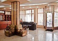 отель Astoria: Холл отеля