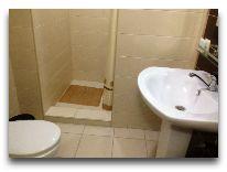 отель Astra: Ванная комната