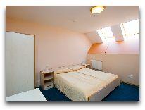 отель Austeja: Двухэтажный семейный номер на двоих