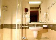 отель Аврора: Ванная в стандартном номере