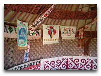 юртовый лагерь Aydar yurt camp: внутри юрты