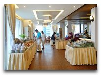 отель Bamboo Green: Ресторан