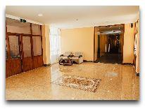 отель Bek Khiva: Вход в отель