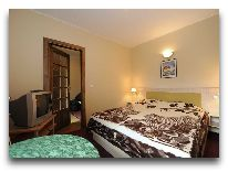 отель Bella Villa: Семейный апартамент