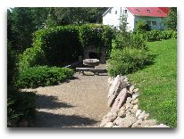 отель Bernhard: Уголок сада