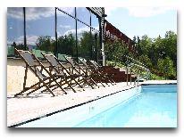 отель Bernhard: Открытый бассейн
