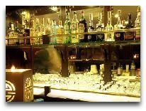 отель Bhaya Cruise: Бар