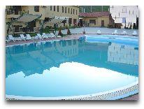 отель Bohemian Resort: Бассейн отеля