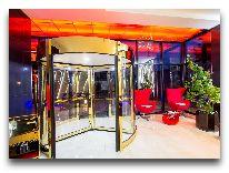 отель Bridges: Вход в отель
