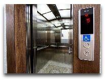 отель Bridges: Лифт
