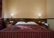 отель Bristol: Улучшенный номер