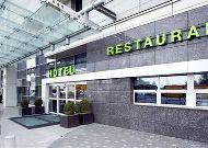 отель Campanile Warszawa: Вход в отель