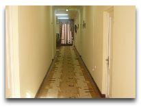 отель Capital Hotel: Коридор