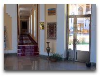 отель Caravan: Холл отеля