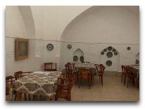 отель Caravan Sarai: Ресторан