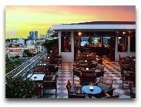 отель Caravelle Hotel: Saigon Bar - Бар на крыше