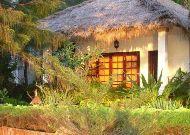 отель Cham Villas Resort: Beach Front Villa